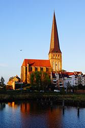 PetrikircheNordansichtMaimorgen2