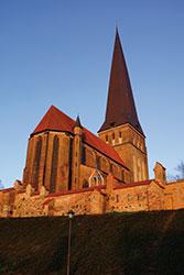 PetrikircheNordostansichtMorgenroete