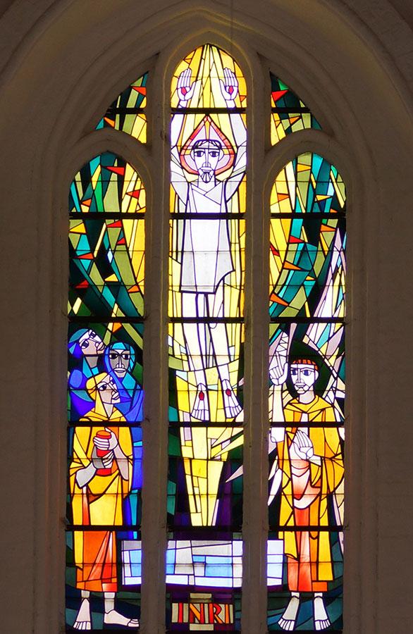 Chorfenster oben in der Mitte