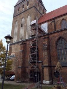 Baugerüst zur Reparatur des Obergadenfensters, Foto: Reinhard Wegener